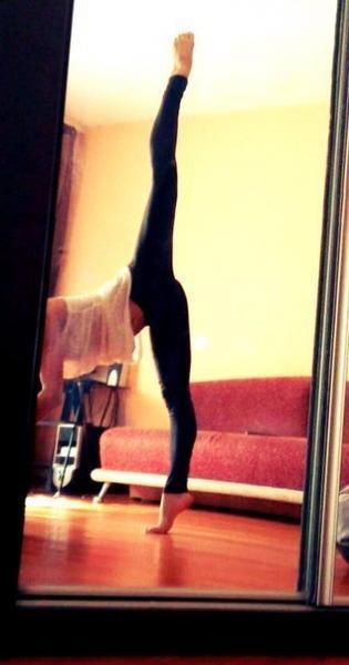 Фото девушка на шпагате домашних условиях